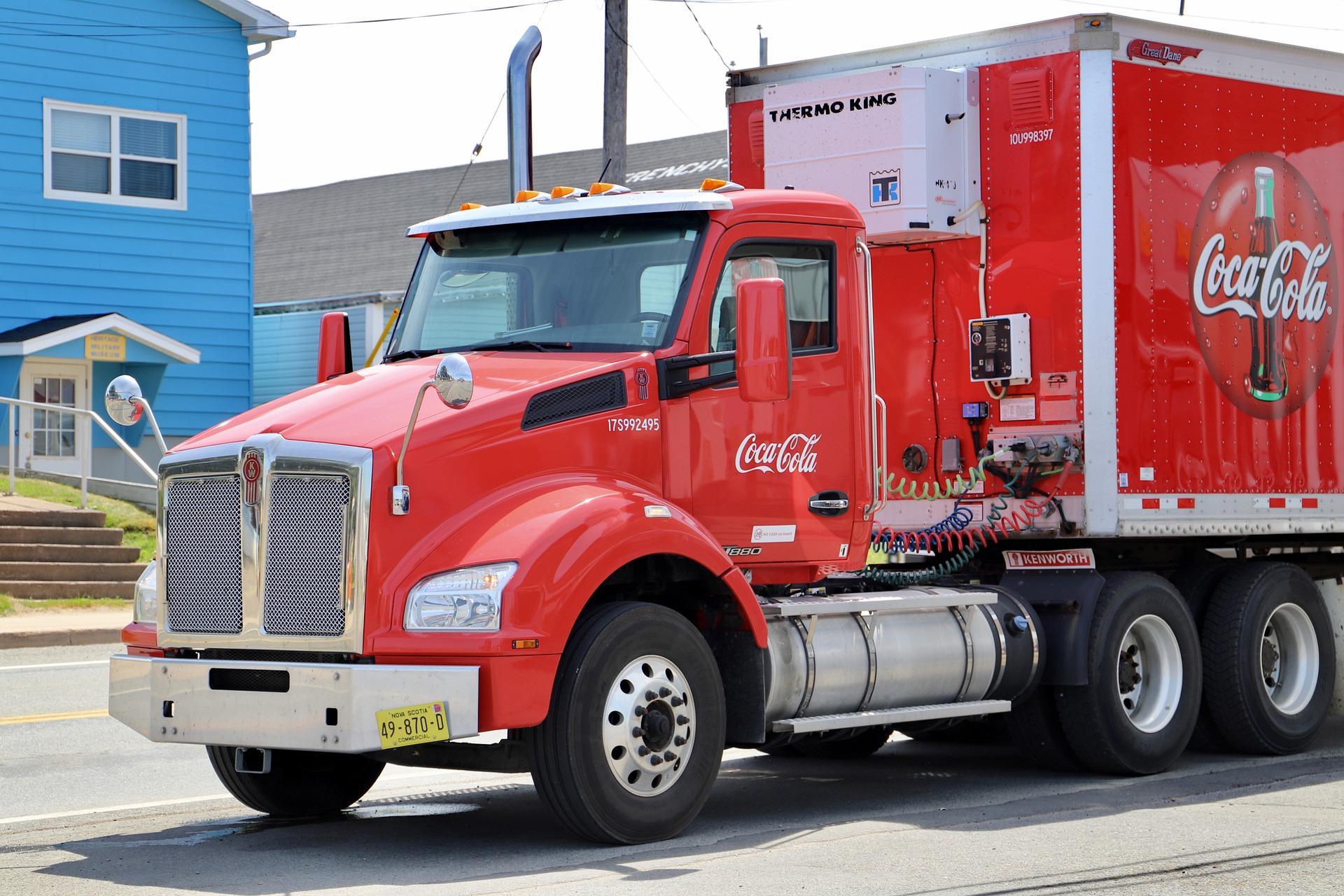 Ein Truck von Coca Cola